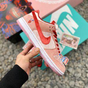 Nike SB Dunk Low Valentine's Day